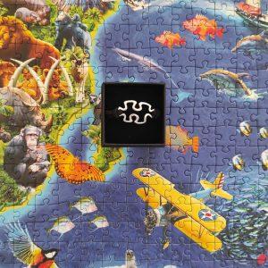 Pulsera unisex puzzle con cierre negra